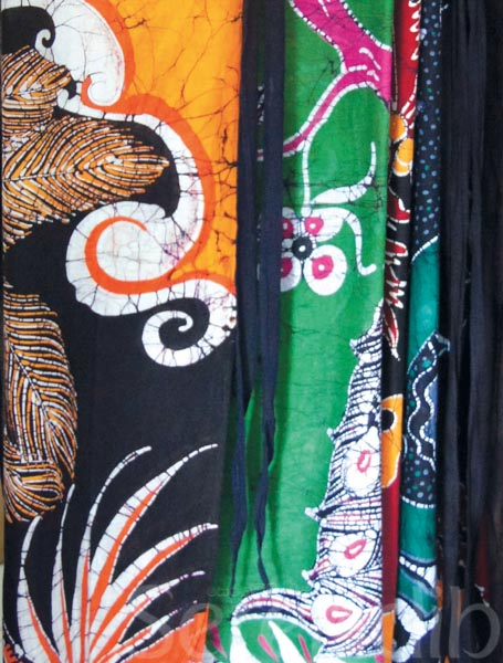 "premium selection a5ec8 f48d6 ""Waxing Lyrical†about Sri Lankan Batik"